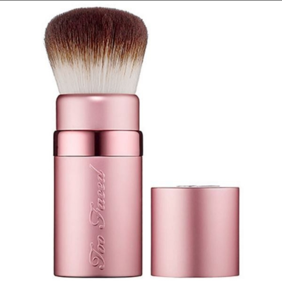 Too faced retractable brush